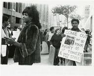 <p>Una foto del 1970 in mostra a New York. REUTERS/Diana Davies-NYPL/Handout</p>