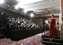 "<p>Megan Mylan, winner of the Oscar for best documentary short subject for ""Smile Pinki,"" walks off the stage in the photo room at the 81st Academy Awards in Hollywood, February 22, 2009. REUTERS/Mike Blake</p>"