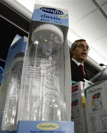 Baby bottles free of the chemical bisphenol A are seen during a news conference with Canada's Health Minister Tony Clement in Ottawa April 18, 2008. REUTERS/Chris Wattie