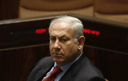 Israel's Prime Minister Benjamin Netanyahu attends a session of the Knesset, the Israeli parliament, in Jerusalem May 25, 2009. REUTERS/Ronen Zvulun