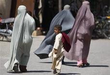 <p>Sarkozy dice che in Francia non c'è posto per il burqa. REUTERS/Jorge Silva</p>