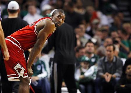 Chicago Bulls guard Ben Gordon waits on the court during the second half of Game 7 of their NBA Eastern Conference playoff series against the Boston Celtics in Boston, Massachusetts May 2, 2009. REUTERS/Brian Snyder