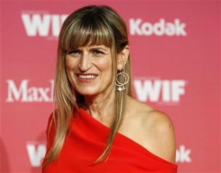 Director Catherine Hardwicke poses at the Women in Film 2009 Crystal and Lucy Awards in Century City, California June 12, 2009. REUTERS/Mario Anzuoni