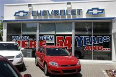 <p>A Chevrolet dealership in Livonia, Michigan, June 9, 2009. REUTERS/Rebecca Cook</p>