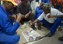 <p>Foto de arquivo de sindicatos da África do Sul em greve em Durban. 15/11/2007. REUTERS/Rogan Ward</p>