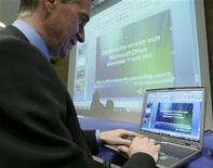<p>Il lancio della versione di Microsoft Office in alsaziano, dialetto della Francia orientale, nell'aprile del 2007. REUTERS/Jean-Marc Loos</p>