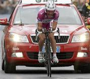 <p>Il ciclista Danilo Di Luca all'ultimo Giro d'Italia. REUTERS/Tony Gentile</p>