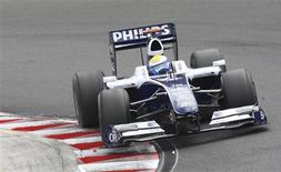 <p>Nico Rosberg, da Williams, durante treino na Hungria. Equipe fez grandes concessões em acordo da F1. REUTERS/Dominic Ebenbichler</p>