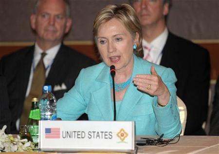 U.S. Secretary of State Hillary Clinton speaks during the ASEAN-US Ministerial Meeting in Phuket July 22, 2009. REUTERS/Pornchai Kittiwongsakul/Pool
