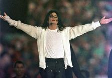<p>Foto de arquivo de Michael Jackson em Pasadena. 31/01/1993. REUTERS/Gary Hershorn/Arquivo</p>