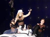 <p>Madonna annulla concerto Slovenia. Media:venduti pochi biglietti. REUTERS/Stringer</p>