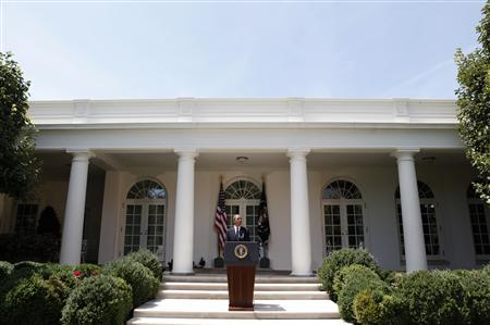 U.S. President Barack Obama speaks on the economy in the Rose Garden of the White House in Washington, August 7, 2009. REUTERS/Jim Young