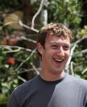 <p>Mark Zuckerberg, le patron de Facebook. Le plus grand site communautaire mondial va racheter FriendFeed, une start-up proposant un réseau social en ligne qui permet à ses utilisateurs de partager en temps réel des contenus provenant de plusieurs sites sociaux ou blogs. /Photo prise le 9 juillet 2009/REUTERS/Rick Wilking</p>