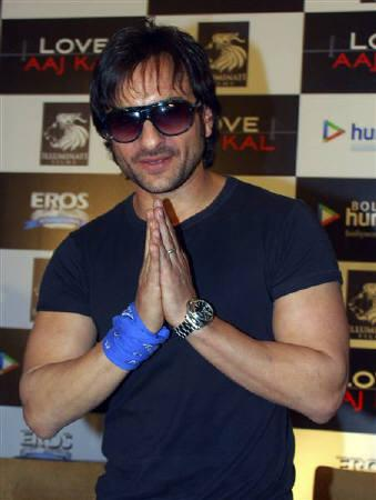 Bollywood actor Saif Ali Khan greets the media during a news conference to promote his upcoming movie ''Love Aaj Kal'' in Mumbai in this July 28, 2009 file photo. REUTERS/Manav Manglani/Files