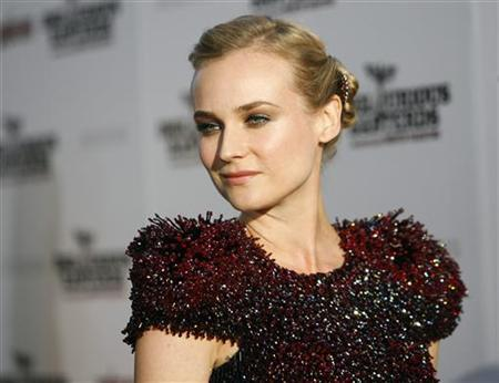 Cast member Diane Kruger poses at the premiere of ''Inglourious Basterds'' at Grauman's Chinese theatre in Hollywood, California August 10, 2009. REUTERS/Mario Anzuoni