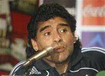 <p>O técnico da seleção argentina, Diego Maradona, afirmou que seu time tem mais fome de glória que o brasileiro. As equipes se enfrentarão pelas eliminnatórias sul-americanas no dia 5 de setembro no campo Rosario Central. REUTERS/handout</p>