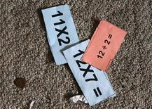 <p>Esercizi di matematica. REUTERS/Lucy Nicholson</p>