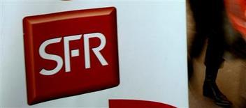 <p>SFR a affiché au premier semestre de solides gains d'abonnés, tant dans l'ADSL que dans la téléphonie mobile, contribuant largement à la hausse du chiffre d'affaires de sa maison-mère Vivendi dont elle assure près de la moitié du total. SFR a enregistré une hausse de 16,1% de son chiffre d'affaires au premier semestre à 6.140 millions d'euros. /Photo d'archives/REUTERS</p>