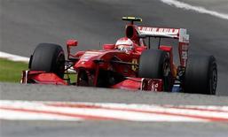 <p>Formula uno, Force India svincola Fisichella per la Ferrari. REUTERS/Thierry Roge</p>