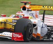 <p>F1, Renault accusata di aver pilotato vittoria Gp Singapore 2008. REUTERS/Yves Herman</p>