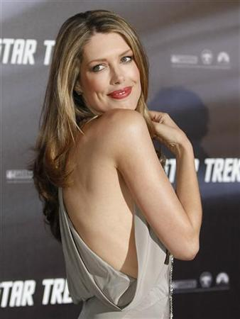 Model Tara Moss poses at the world premiere of the movie ''Star Trek'' at the Sydney Opera House April 7, 2009. REUTERS/Tim Wimborne