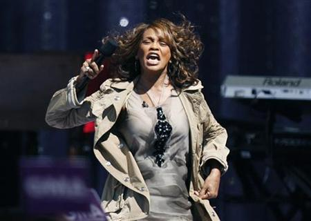 Singer Whitney Houston performs during a taping of Good Morning America on ABC in New York September 1, 2009. REUTERS/Lucas Jackson