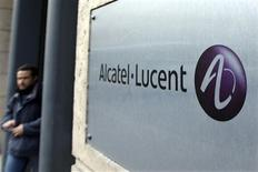 <p>L'équipementier télécoms chinois Huawei a démenti un article de presse disant qu'il était en discussions avec Alcatel-Lucent en vue de former une alliance avec son concurrent franco-américain. /Photo d'archives/REUTERS/Charles Platiau</p>