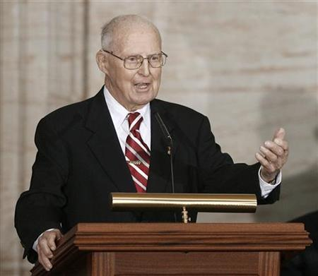 Agricultural scientist Norman Borlaug speak at a ceremony where he was presented with the Congressional Gold Medal, the nation's highest civilian honor, at the Capitol Building in Washington July 17, 2007. REUTERS/Jason Reed