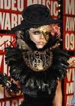 <p>Los artistas estadounidenses Lady Gaga (en la foto) y Kings of Leon lideraron las nominaciones para los MTV Europe Music Awards de noviembre con cinco cada uno, uno más que su compatriota Beyoncé. Subrayando el dominio del pop estadounidense este año, el rapero Eminem y el grupo de punk rock Green Day también optan a tres premios cada uno. REUTERS/Lucas Jackson</p>