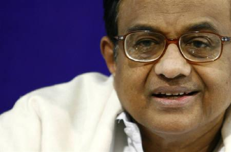 Palaniappan Chidambaram in New Delhi in this November 24, 2008 file photo. India said on Tuesday it was increasing security to thwart possible militant strikes in the country days after Israel and Australia issued warnings to its citizens to avoid travelling to Indian cities. REUTERS/B Mathur/Files