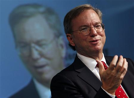 Google Inc. Chief Executive Officer Eric Schmidt speaks to the Pittsburgh Technology Council in Pittsburgh September 23, 2009. REUTERS/Jim Young