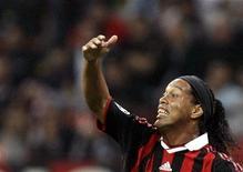 <p>Il calciatore rossonero Ronaldinho. REUTERS/Alessandro Garofalo</p>