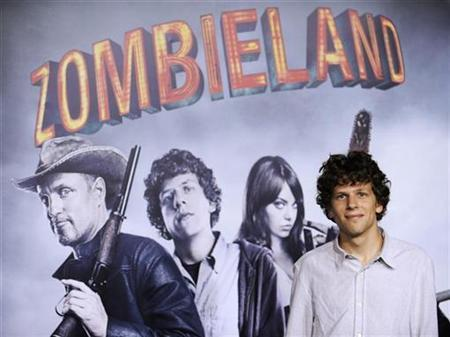 Cast member Jesse Eisenberg attends the premiere of the film ''Zombieland'' in Los Angeles September 23, 2009. REUTERS/Phil McCarten