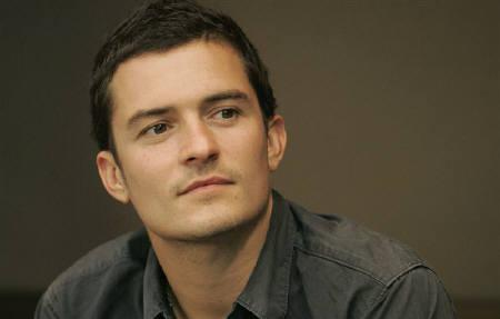 Actor Orlando Bloom attends a meeting with city officials in Sarajevo in this August 12, 2008 file photo. REUTERS/Damir Sagolj/Files