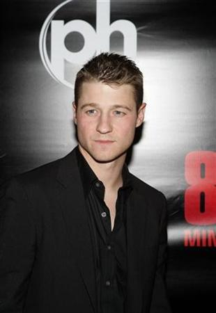 Actor Benjamin McKenzie arrives for the premiere of ''88 Minutes'' at the Planet Hollywood hotel and casino in Las Vegas, Nevada, April 16, 2008. REUTERS/Steve Marcus
