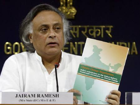 Jairam Ramesh, India's environment minister, speaks during a news conference in New Delhi in this July 31, 2009 file photo. Nations should scale down ambitions for a global climate deal in Copenhagen in December rather than have ''exaggerated expectations'', Ramesh said on Saturday. REUTERS/Fayaz Kabli/Files
