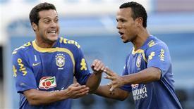 <p>Dunga prepara força máxima para a seleção brasileira para o fim das eliminatórias. REUTERS/Bruno Domingos</p>