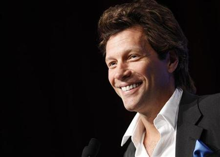 Singer Jon Bon Jovi speaks during the Service Nation Summit in New York, September 12, 2008. REUTERS/Chip East