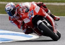<p>Il pilota australiano della Ducati, Casey Stoner. REUTERS/Mick Tsikas (AUSTRALIA SPORT MOTOR RACING)</p>