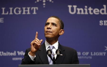 U.S. President Barack Obama speaks at the Points of Light forum at Texas A&M University hosted by former president George H.W. Bush in College Station, Texas October 16, 2009. REUTERS/Kevin Lamarque