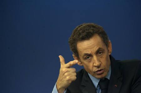 France's President Nicolas Sarkozy delivers a speech about plans to reform France's system of regional and local government in Saint-Dizier, eastern France, October 20, 2009.   REUTERS/Philippe Wojazer