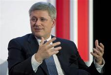 <p>Canada's Prime Minister Stephen Harper speaks at a Canadian Chamber of Commerce conference on the economy in Toronto, October 21, 2009. REUTERS/Mark Blinch</p>