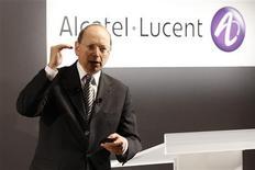 <p>Le directeur général d'Alcatel-Lucent, Ben Verwaayen. Les pertes de l'équipementier télécoms sont moins importantes qu'attendues, et le groupe a confirmé son objectif de résultat d'exploitation ajusté aux alentours de l'équilibre en 2009. /Photo prise le 4 février 2009/REUTERS/Benoît Tessier</p>