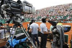 <p>A Federação Francesa de Tênis planejava reformar Roland Garros, em Paris. REUTERS/Charles Platiau</p>