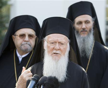 Ecumenical Patriarch Bartholomew (C) speaks after a meeting with U.S. President Barack Obama in the Oval Office of the White House in Washington, November 3, 2009. REUTERS/Larry Downing