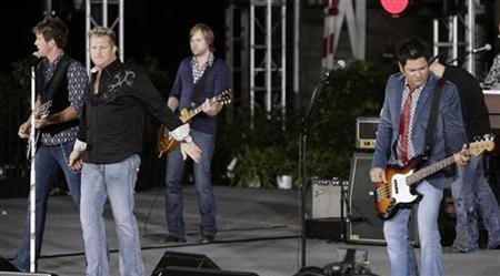 Country music band Rascal Flatts performs during a taping celebrating the 24th season of The Oprah Winfrey Show in Chicago September 8, 2009. REUTERS/Frank Polich