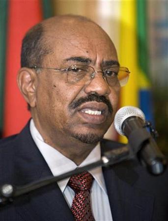 Sudan's President Omar Hassan al-Bashir addresses a news conference in Ethiopia's capital Addis Ababa, April 21, 2009. REUTERS/Irada Humbatova