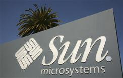 <p>La Commission européenne expriment ses réserves sur le projet d'acquisition de Sun Microsystems par Oracle pour 7 milliards de dollars (4,66 milliards d'euros). /Photo d'archives/ REUTERS/Robert Galbraith</p>