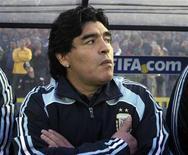 <p>O técnico da Argentina, Diego Maradona, vai comparecer a uma audiência do comitê disciplinar da Fifa no domingo sobre as ofensas verbais disparadas contra jornalistas no mês passado, informou a federação internacional nesta terça-feira. REUTERS/Martin Cerchiari (URUGUAY SPORT SOCCER)</p>