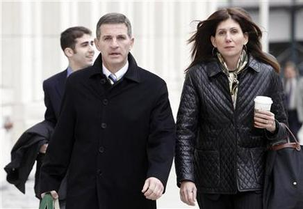 Former Bear Stearns hedge-fund manager Ralph Cioffi (L) arrives with staff at court in Brooklyn in New York November 5, 2009. Acquittals of Cioffi and his colleague Matthew Tannin could cause prosecutors to shy away from filing future cases stemming from the financial crisis, in particular the wreckage of American International Group and Lehman Brothers. REUTERS/Natalie Behring (UNITED STATES BUSINESS POLITICS)